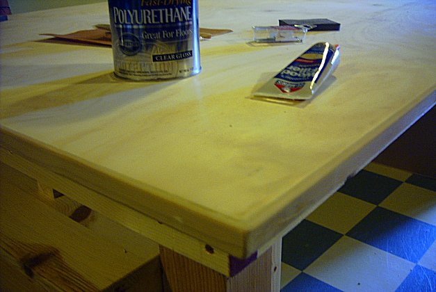 10-edging-filler-sanding.jpg (49912 bytes)